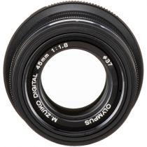 Olympus 45 mm f/1,8