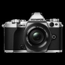 Olympus OM-D E-M5 Mark II avec 14-42 EZ