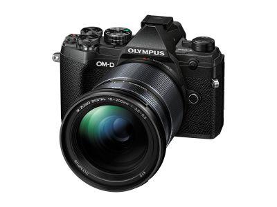 Olympus OM-D E-M5 Mark III + 12-200 mm f / 3.5-6.3