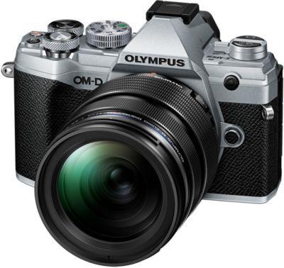 Olympus OM-D E-M5 Mark III + 12-40 mm f / 2.8